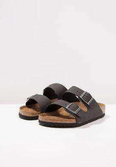 38 Birkenstock Arizona, Sandals, Shoes, Fashion, Slide Sandals, Moda, Shoes Sandals, Zapatos, Shoes Outlet