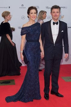 Pin for Later: Meet the Princess Who Dresses Better Than Kate Middleton When She Was Superglam at the 2014 Bambi Awards Beauty And Fashion, Fashion Looks, Royal Fashion, Princesa Mary, Mother Of Bride Outfits, Mothers Dresses, Elegant Dresses, Nice Dresses, Dresses Dresses