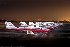 Royal Canadian Air Force display team, the Snowbirds, Canadair Tutor jet trainers at California Capital Airshow Royal Canadian Navy, Canadian Army, Canadian History, Military Shows, Military Jets, Military Aircraft, Photo Avion, Military Flights, Aircraft Painting