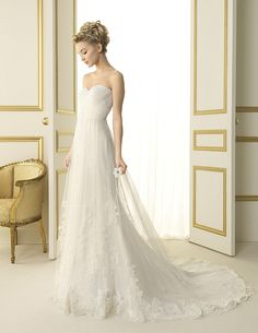 This is my favorite strapless wedding dress. Very Gorgeous