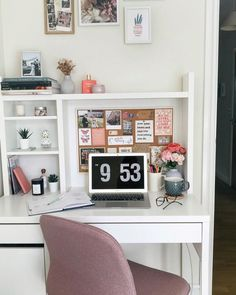 13 Basic But Charge-Powerful Decoration Strategies Study Room Decor, Cute Room Decor, Room Decor Bedroom, Dorm Room Desk, My New Room, My Room, Desk Inspiration, Aesthetic Room Decor, Home Office Decor