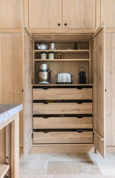 Color idea for stain inside cabinets Home Decor Kitchen, Interior Design Kitchen, Kitchen And Bath, Bathroom Interior, Home Kitchens, Timber Kitchen, Home Organisation, House Inside, Küchen Design