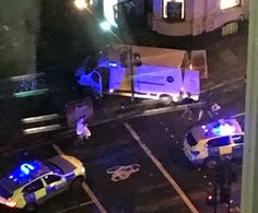 El Terrorismo golpea nuevamente al Reino Unido una camioneta atropelló a varios peatones en #LondonBridge   Londres despertó este domingo en medio de la conmoción por otro ataque terrorista en el que seis personas murieron y al menos 48 resultaron heridas en el Puente de Londres y el cercano Borough Market. Una camioneta atropelló a varios peatones en el London Bridge y luego hubo otro episodio con personas apuñaladas en Borough Market. La primera ministra británica Theresa May ha convocado…