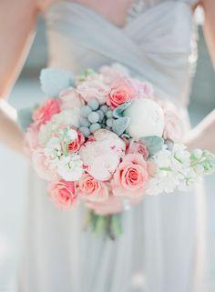 serenity and rose quartz wedding colors, gorgeous wedding bouquet http://itgirlweddings.com/pantones-wedding-colors-of-2016-rose-quartz-serenity/