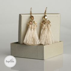 A large, yarn earring of corse combined with some crystal beads. Statement Earrings, Drop Earrings, Unique Jewelry, Jewelry Design, Crystal Beads, Crystals, Trending Outfits, Handmade Gifts, Etsy Seller