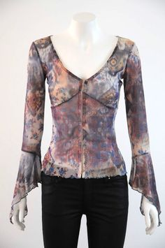 Review  Women s Long Sleeve V Neck Blouse With Front Closure {Size 8}
