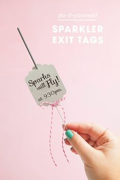 Awesome DIY idea for making wedding sparkler tags!