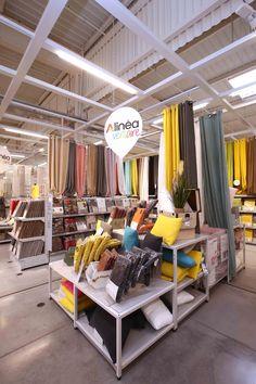Retail Interior Design, Interior Design Business, Furniture Store Display, Bed Linen Design, Craft Room Storage, Visual Display, Design Case, Visual Merchandising, Store Design