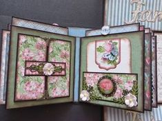 Paper Hoarder Disorder has done it again! This is her pattern for her wonderful Gate Fold book that is available at her Etsy shop. Tutorial Scrapbook, Mini Albums Scrapbook, Scrapbook Cards, Mini Photo Books, Mini Photo Albums, Mini Books, Handmade Journals, Handmade Books, Handmade Crafts