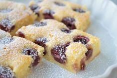 Kirschenkuchen ist ein einfaches Rezept für fruchtigen Kuchen, einfach ausprobieren