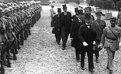 Trianon: a franciák C-terve valósult meg Budapest, Wikimedia Commons, World War I, Wwi, Railroad Tracks, Techno, Royalty, Magazine, Retro