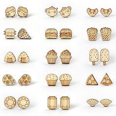 Bon lundi à tous ! C'est parti pour une nouvelle semaine bien remplie et avec du soleil s'il vous plaît ! Mon programme : ranger l'atelier gérer vos commandes préparer des planches pour la découpe laser et m'occuper de ma brochure présentant les services que je propose aux professionnels. Et vous quoi de beau en vue cette semaine ? > > > Puces d'oreilles : http://ift.tt/1SH4xnR #jewelry #woodjewelry #woodjewellery #earrings #studs #posts #woodenearrings #jewelrydesign #instadesign #design…