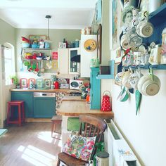 My kitchen looking even more colourful in the sunshine ☀️ via lisalovesvintage.com