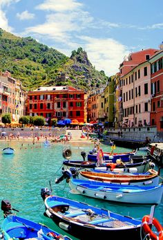 Colorful harbor at Vernazza, Cinque Terre, Italy | 45 Reasons why Italy is One of the most Visited Countries in the World