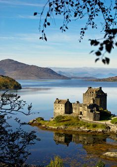 Its no wonder Eilean Donan is one of the most photographic sites in Scotland, it just emanates pure atmosphere