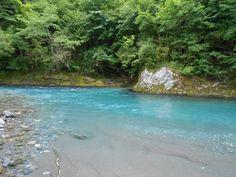 Le bleu incroyable de l'eau, été comme hiver