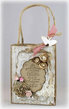 Cardville- Elizabeths Kreative sider: Paperbag- one of two paperflower tutorials