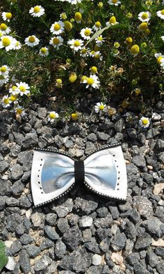 Hair bow Leather bow Gothic bow Rock Pin up hair bow by Zozelarium Leather Bow, Real Leather, Barrette Clip, Pin Up Hair, Silver Hair, Hair Bows, Gothic, Hair Accessories, Rock