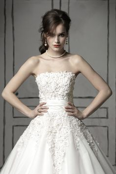 AHHHH!!! It's the Justin Alexander 8465! The dress I want!!!