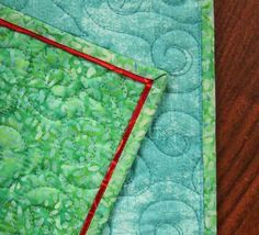 Such a delicate touch and so easy to do. Choose your contrasting fabric and learn how to add a flange to your binding, giving just the right pop to your quilt! Machine Binding A Quilt, Quilt Binding Tutorial, Machine Quilting, Bias Binding, Quilting For Beginners, Quilting Tips, Quilting Tutorials, Beginner Quilting, Quilting Projects