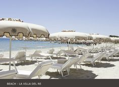 La Villa del Re, 5 star hotel in Sardinia front-sea with luxury services. Book now on our official website for the Best Price! Luxury Services, Hotel Guest, Beach Umbrella, Beach Pool, White Stone, Sardinia, Summer Sun, 5 Star Hotels, Beautiful Beaches