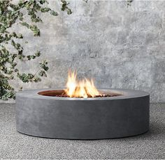 6 Marvelous Useful Ideas: Flagstone Fire Pit Landscapes modern fire pit seating.Small Fire Pit For Porch. Fire Pit Seating, Fire Pit Area, Diy Fire Pit, Fire Pit Backyard, Backyard Seating, Seating Areas, Gas Outdoor Fire Pit, Round Propane Fire Pit, Square Fire Pit