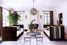 15 ENVY-INDUCING CELEBRITY LIVING ROOMS The brightest stars show off the best room in their home Giselle Buchen and Tom Brady