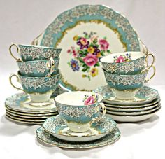 All sorts of vintage tea sets china tea pots bakery displays and more. - Tea Set - Ideas of Tea Set - All sorts of vintage tea sets china tea pots bakery displays and more. Tea Cup Set, My Cup Of Tea, Tea Cup Saucer, Royal Albert, Tea Sets Vintage, Vintage Teapots, Vintage Party, Shabby Vintage, Vintage Antiques