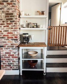 Coffee Bar in Vintage Kitchen Big Kitchen, Updated Kitchen, Kitchen Decor, Kitchen Design, Vintage Kitchen, Declutter Your Home, Organizing Your Home, Diy Home Interior, Interior Design