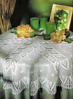 Free Crochet Patterns: Round Tablecloth with Pineapples Crochet Tablecloth Pattern, Crochet Bedspread, Crochet Doily Patterns, Crochet Motif, Crochet Doilies, Hand Crochet, Crochet Books, Crochet Home, Thread Crochet