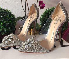 Dressbe | Sapato Schutz Cinderela #schutz #shoes #sapato #cinderela #moda #dressbe