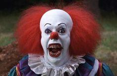 Clown minacciosi per le strade in USA, scherzo o pubblicità per IT? | MondoFox