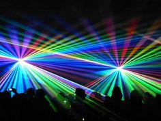 techno-lightshow.jpg (600×450)