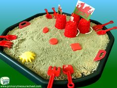 Wales - Saint David's Day - Dydd Santes Dwynwen – Castles – Welsh Flag Themed Sand Multi-sensory Tuff Tray Ideas and Activities Multi Sensory, Sensory Play, Welsh Gifts, Saint David's Day, Tuff Spot, Tuff Tray, Role Play, Castles, Teaching Ideas