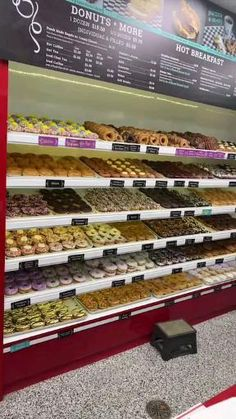 #donuts #doughnuts #food #breakfast #donas #doces #florida Buzzfeed Food Videos, Shop Displays, Donut Shop, Shop Around, Doughnuts, Besties, Exploring, Cravings, Nom Nom