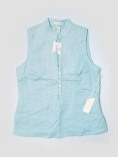 Check it out—Tweeds Sleeveless Blouse for $7.49 at thredUP!