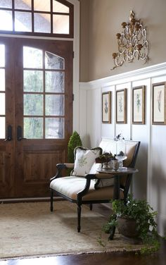 Love the picture frames on the Batten board. Maybe for end of hallway...