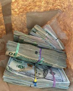 Money flows effortlessly with abundance to me Make Money Online, How To Make Money, Mo Money, Cash Money, Money Bags, Money On My Mind, Canadian Dollar, Money Stacks, Wealth
