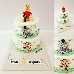 Iyi ki dogdun Emir😊🐝🐝🐝 @daydreamscakes #daydreamscakes #winniepuuhcake #winniepoohtorte #winniepoohpastasi #tigger #i-aah #bienen #arilar #bees  #kakaokek #kakaoteig #bögürtlenlipasta #wildberriescakes #waldbeerentorte #sugarcakes #sugarcraft #sugarart #cakedesign #cakeart #caketopper #ganache #fondant