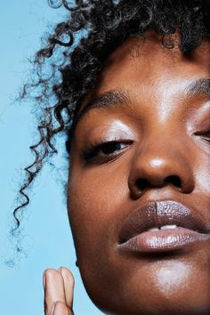 Gabby wears Glossier Perfecting Skin Tint in Rich