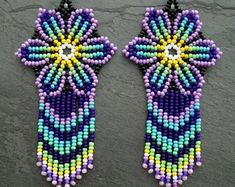 Beaded Flowers Patterns, Native Beading Patterns, Beaded Earrings Patterns, Bead Loom Patterns, Beaded Bracelets, Seed Bead Jewelry, Seed Bead Earrings, Beard Jewelry, Fabric Earrings