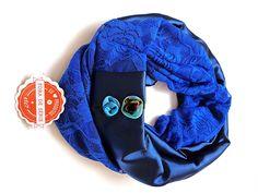 Infinity Scarf com Renda em Azul Royal, Linda !