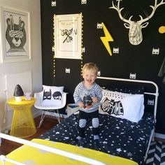 Awesome boys room! Love the colour combo