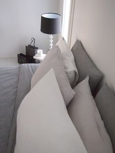 Hannas Home / bedroom details / H&M Home bed linen / Pentik table lamp