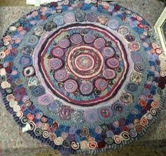 A standing rug or Quillie by Gill Cerwen at www.bappleandjojo.weebly.com