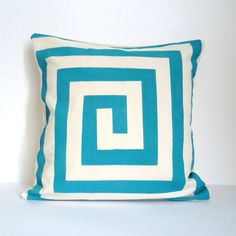 DIY Taped Screen Print Pillows / from chichidee