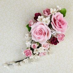 Large Open Rose Sprays are gumpaste sugarflower cake decorations perfect as cake toppers for cake decorating fondant cakes and wedding cakes. Elegant Flowers, Diy Flowers, Paper Flowers, Beautiful Flowers, Frosting Flowers, Fondant Flowers, Bolo Floral, Sugar Paste Flowers, Fondant Rose