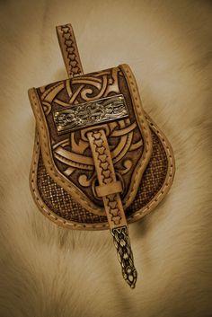 Awesome Birka inspired belt bag! Norse-Design.de --------- Handwerk und Handel für die historische Darstellung ---------