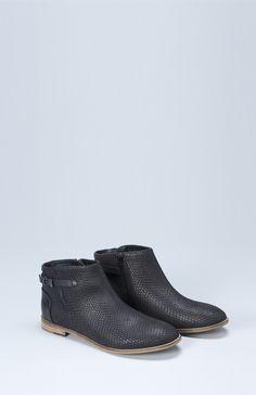 SHOP ONLINE: Slange Ankle Boot - Black ELK ACCESSORIES #ankleboots #wardrobestaple #leatherboots #snakeskinprint #blackboots #boots #elkaccessories #mirrormirrorboutiquehanmersprings