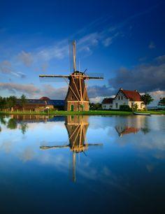 windmolen by Peter Byzdra, via 500px